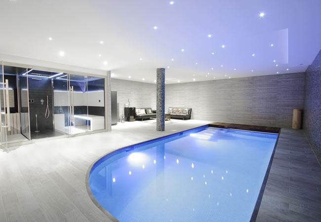 binnenzwembad aanleggen soorten prijs tips advies. Black Bedroom Furniture Sets. Home Design Ideas