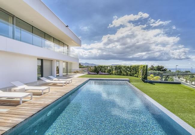 Luxezwembad aanleggen soorten prijs tips advies for Zwembad plaatsen in tuin