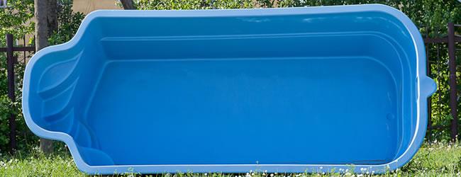 Monoblock polyester zwembaden plaatsen prijs tips advies for Kostprijs polyester zwembad