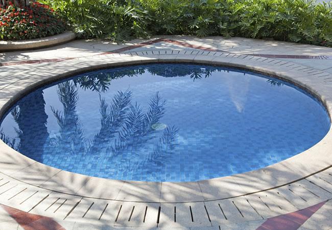 Vorm van zwembaden vergelijken tips foto 39 s en inspiratie for Zwembad achtertuin