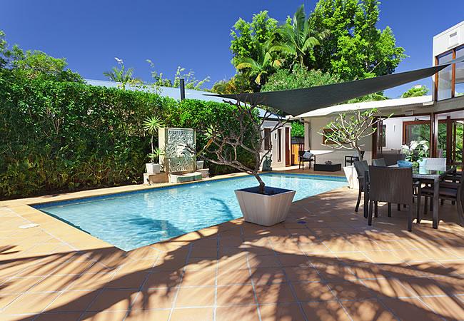 Zwembad In Huis : De beste orientatie en ligging van een zwembad zwembadaanleg